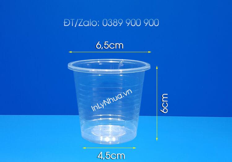 Ly nhựa uống nước